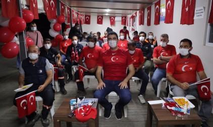Kartal Belediye Başkanı Gökhan Yüksel, Milli Maç coşkusunu emekçilerle paylaştı