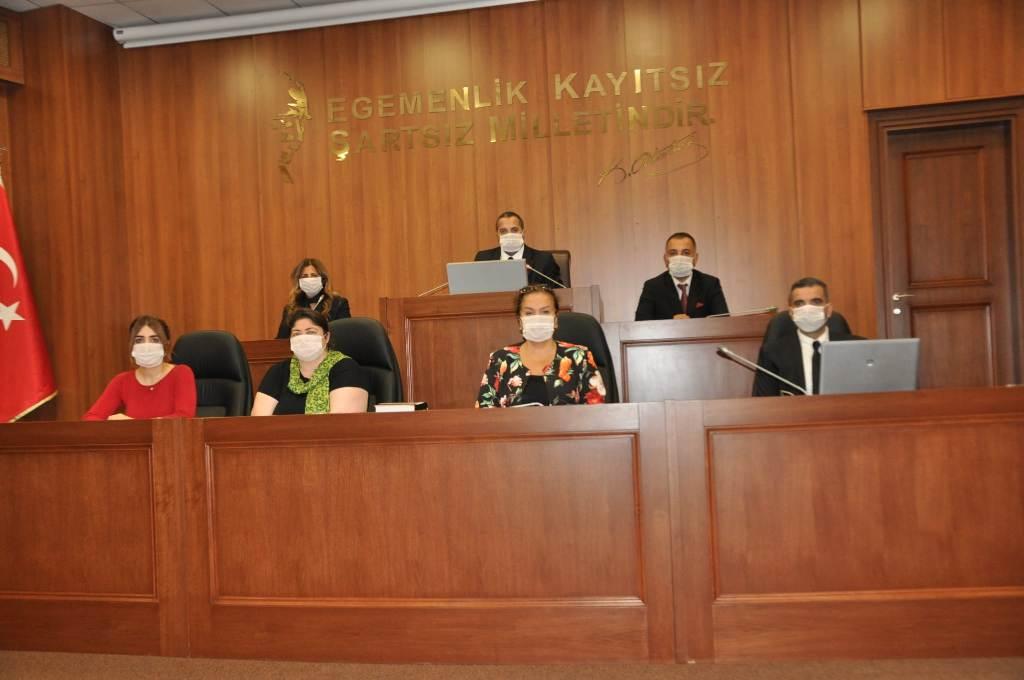 Kartal Belediye Meclisi, Lösemiye Maske ile Dikkat Çekti (4)