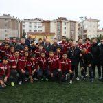 Genç Kartalsporlular Şampiyonluk Kupasını, Kartal Belediyesi Yöneticilerinden Aldı (3)