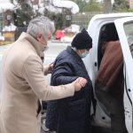 Kartal Belediyesi Ekipleri Yaşlı Çifti Aşı Randevusuna Yetiştirdi (1)