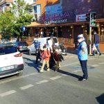 Kartal Belediyesi'nden öğrencilerin güvenliği için okul önlerinde trafik uygulaması (7)